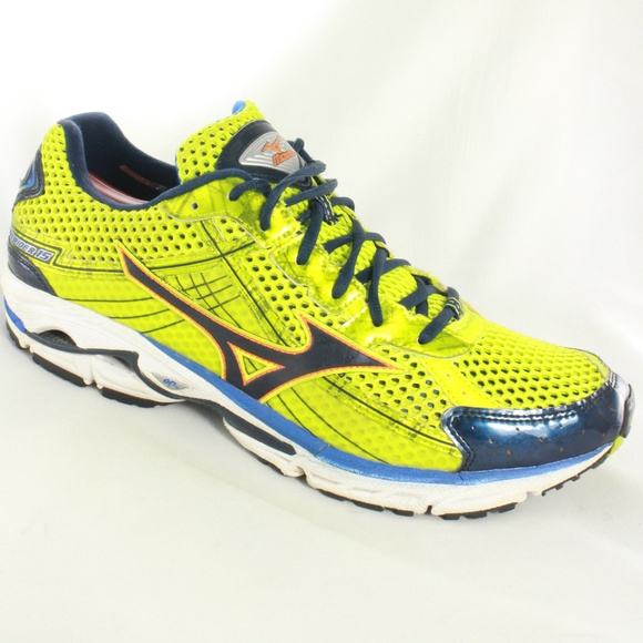 mizuno mens running shoes size 9 youth gold female women' figure